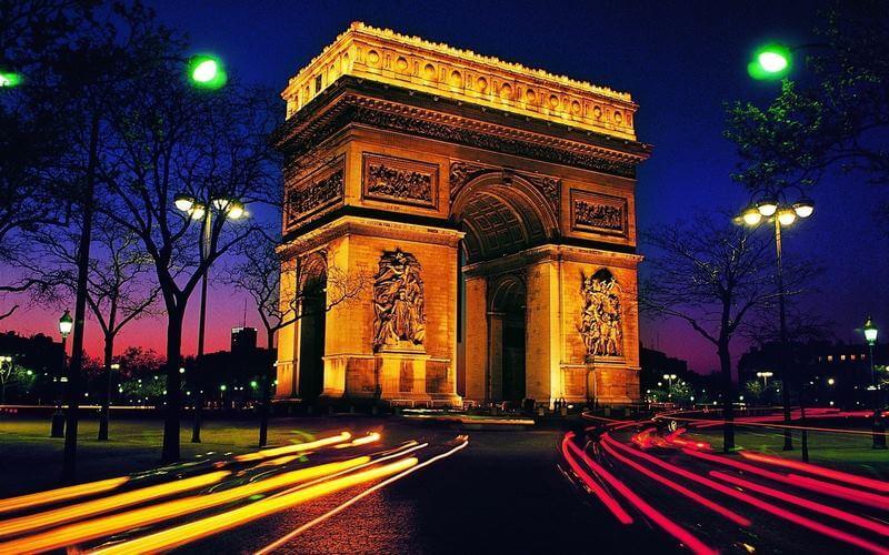 بهترین زمان خرید در پاریس,ارزانترین زمان سفر به پاریس,جاذبه های گردشگری پاریس