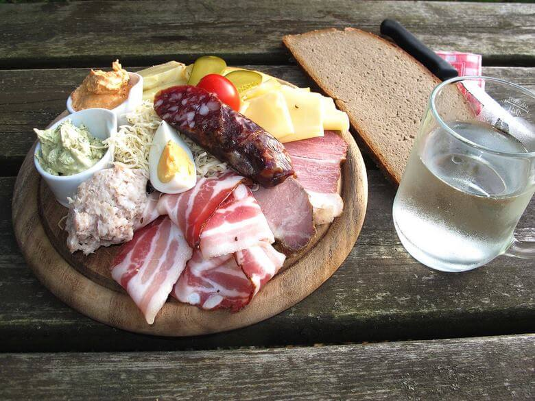 غذاهای سنتی اتریش,غذاهای معروف اتریشی,لیست غذاهای اتریشی,