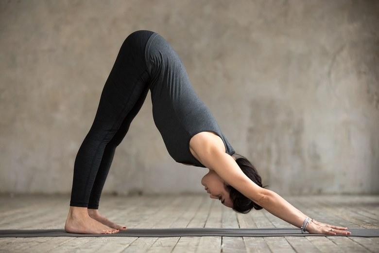 حرکات یوگا برای درد کمر,حرکات یوگا برای درمان کمر درد,حرکات یوگا برای کمر درد,