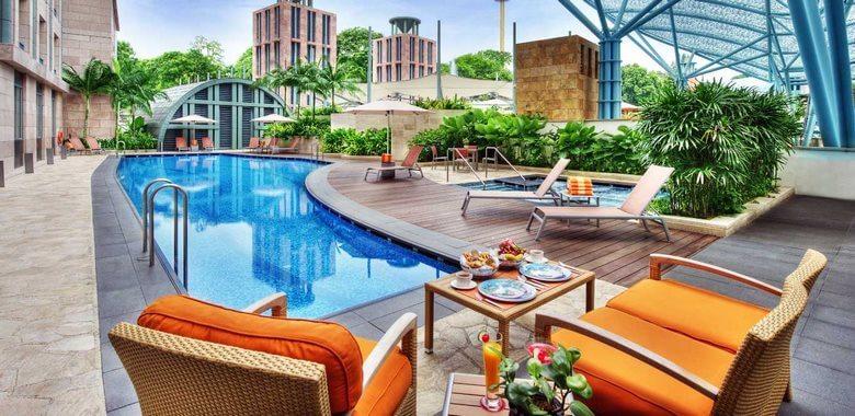 هنگام رزرو هتل,بررسی رزرو هتل,رزرو هتل قبل از سفر,