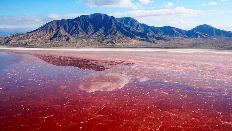 عجیب ترین دریاچه های ایران,عجیب ترین دریاچه های جهان,عجیب ترین دریاچه های دنیا,