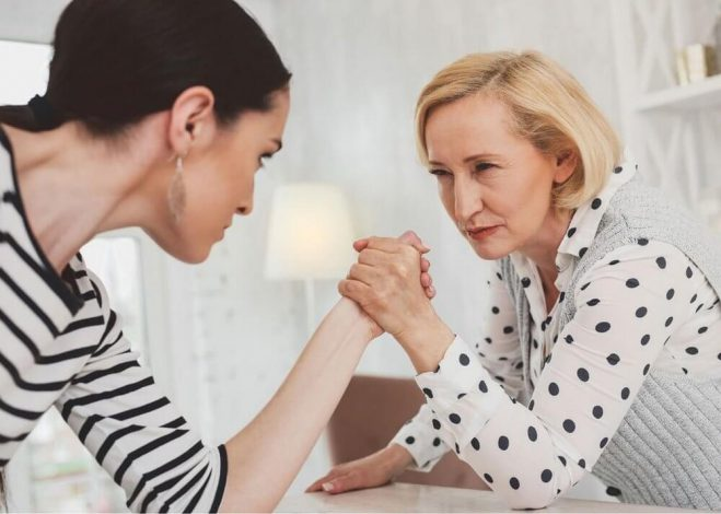 دخالت مادر شوهر,صمیمیت با مادر شوهر,مادر شوهر خوب چگونه است