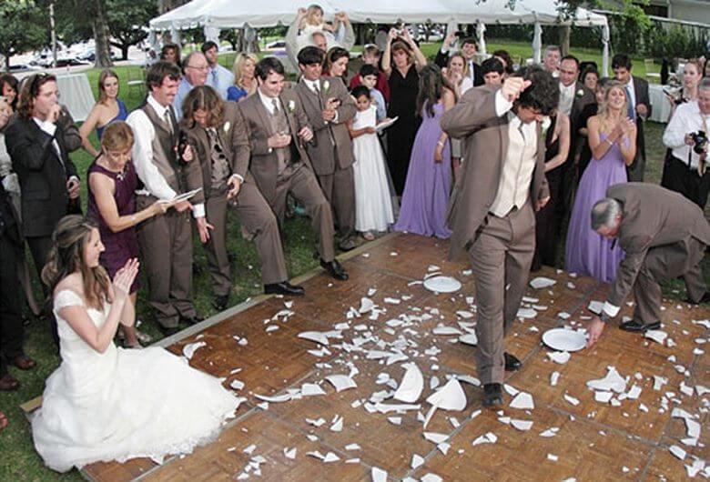 مراسم عجیب شب عروسی,مراسم عجیب عروسی,مراسم عجیب عروسی در جهان,
