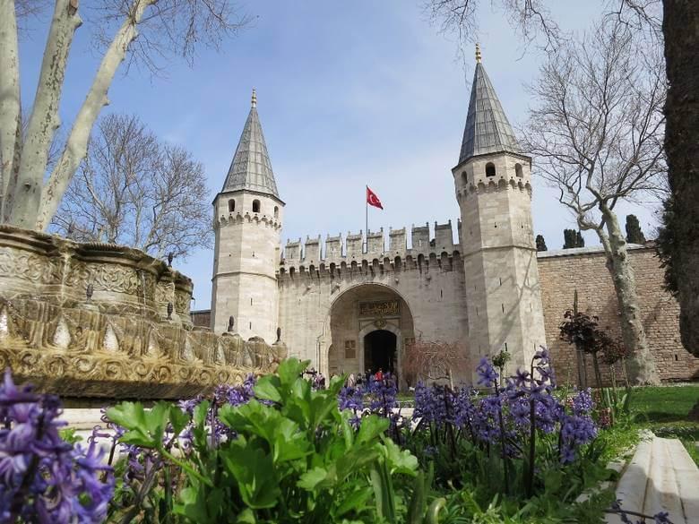 مسجد ایا صوفیه استانبول,تور استانبول,جاذبه های دیدنی شهر استانبول