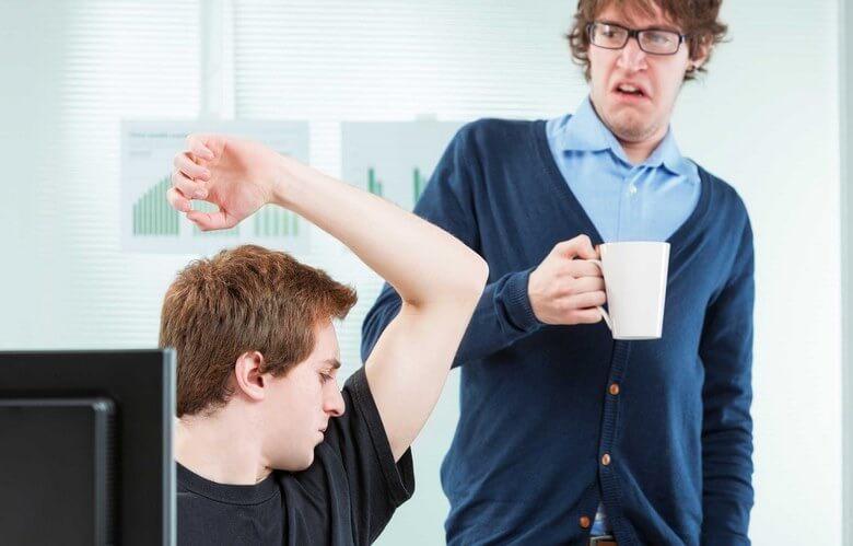 بد اخلاقی در محیط کار,رفتارهای بد در محیط کار,عادت غیر حرفه ای در محیط کار,