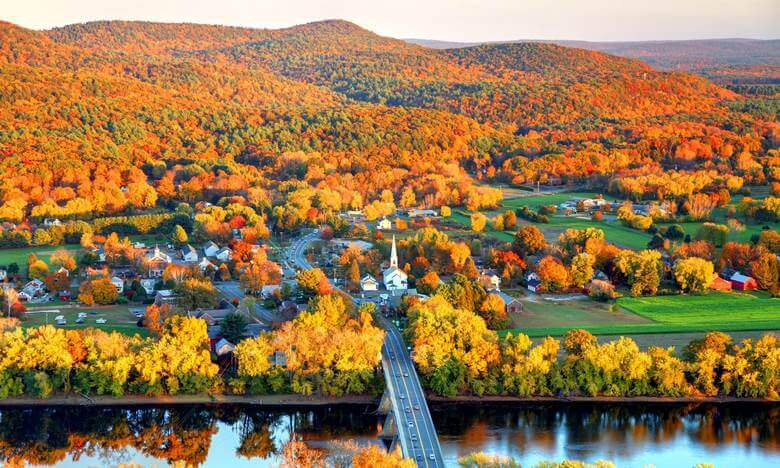 بهترین مقاصد سفر در پاییز,بهترین مناطق برای سفر در پاییز,بهترین کشور برای سفر در پاییز,