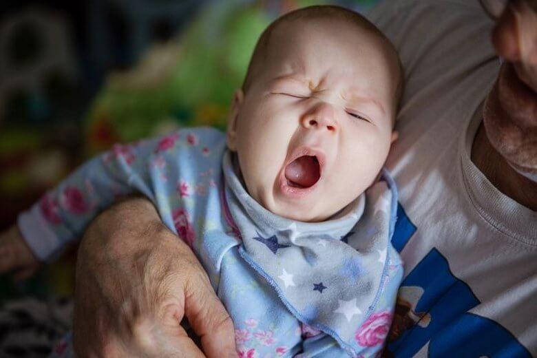 بدخواب شدن نوزاد,بدخواب شدن نوزادان,علت بد خواب شدن,