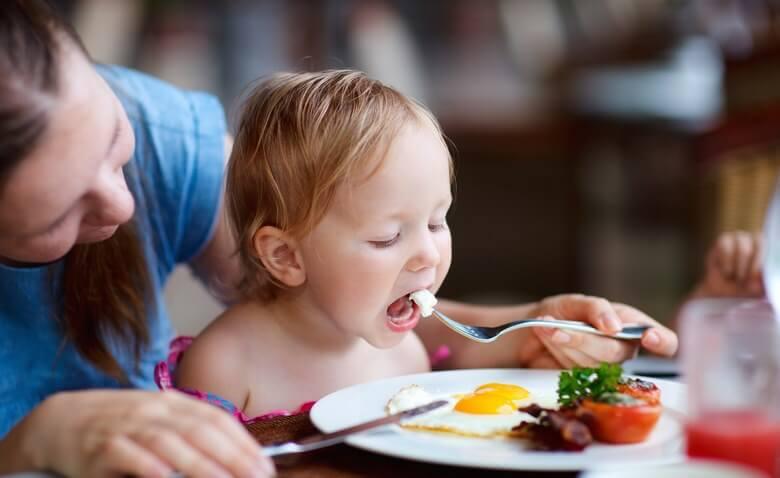 برای وزن گیری کودک چه کنیم,برای وزن گیری کودک یک ساله,بهترین مکمل برای وزن گیری کودک,