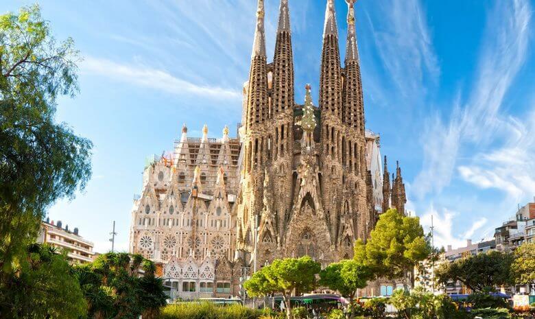 بهترین زمان سفر به بارسلونا,بهترین زمان مسافرت به بارسلون,بهترین فصل سفر به بارسلونا