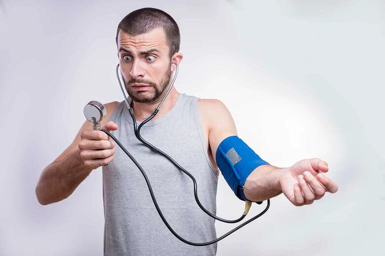 دليل فشار خون بالا چيست,دلیل فشار خون بالا,دلیل فشار خون بالا چیست,