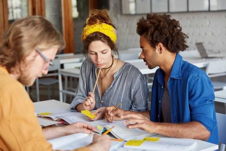 موفقیت شغلی کارکنان,شناخت مهارت های ارتباطی,مهارت های ارتباطی در محیط کار,