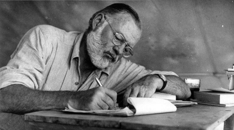 عکس ارنست همینگوی,کتاب پیرمرد و دریا اثر ارنست همینگوی,آثار ارنست همینگوی