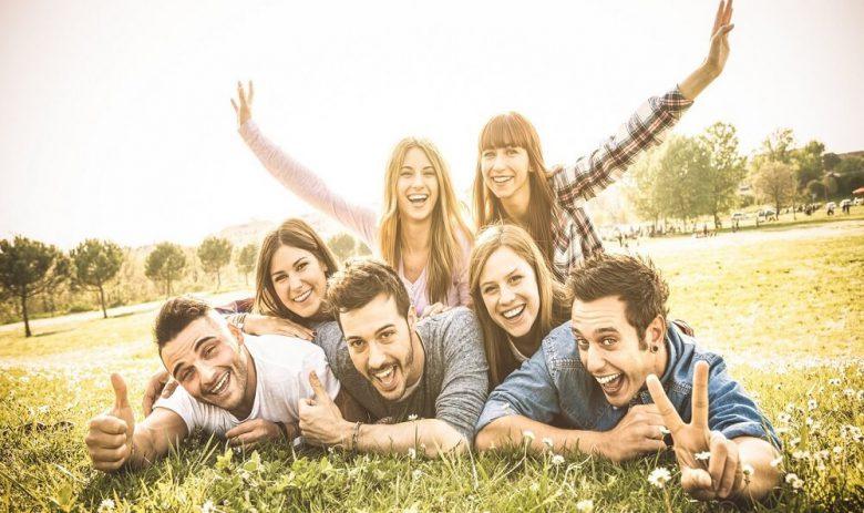 افزایش اعتماد به نفس,داشتن دوست اجتماعی,رابطه دوستانه زن و مرد