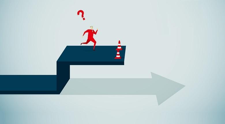 راه های پیشرفت و موفقیت در زندگی,قضاوت دیگران,موانع پیشرفت