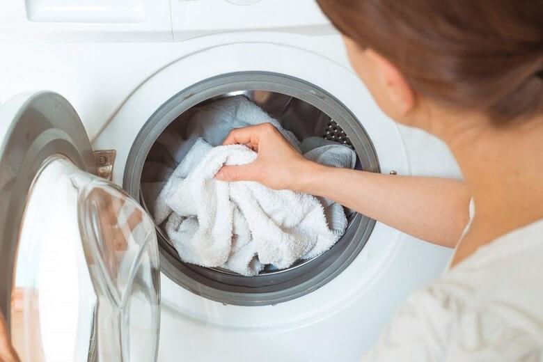 عمر مفید لباس,افزایش عمر لباس,تمیز نگه داشتن لباس,
