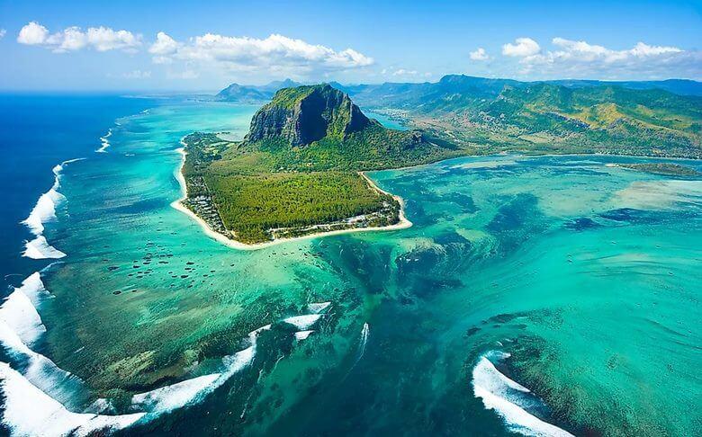 جزیره های زیبای جهان,عکس جزیره زیبای جهان,۱۰ جزیره زیبای دنیا,