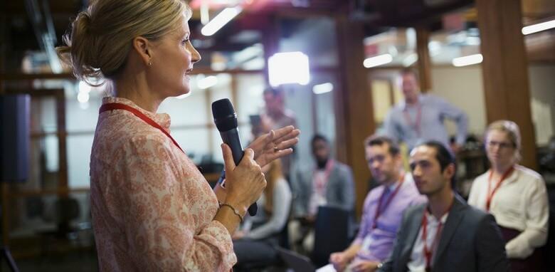 10 سوال برای تحلیل مخاطبین در زمان سخنرانی