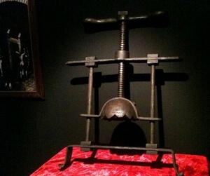 انواع شکنجه های قرون وسطی,بدترین شکنجه های قرون وسطی,شکنجه های ترسناک قرون وسطی,