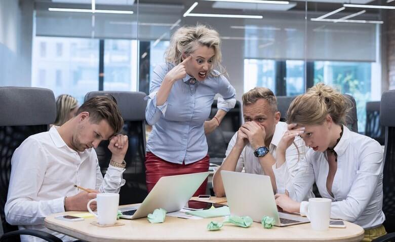 راز موفقیت در محیط کار,راز موفقیت زنان شاغل,زنان موفق در کار,